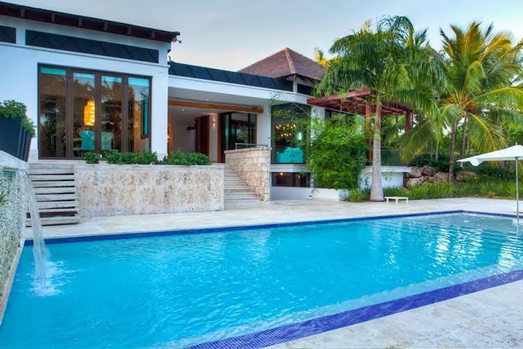 Modern exquisite Villa at Las Cañas with 6 Bedrooms