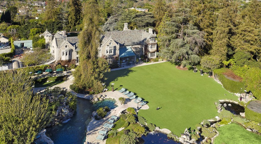 la-christies-hotprop-playboy-mansion-for-sale-0002
