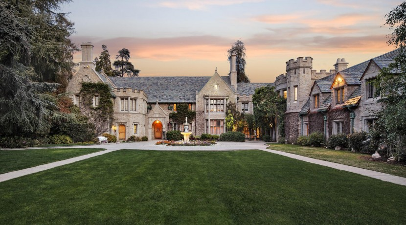 la-christies-hotprop-playboy-mansion-for-sale-0007