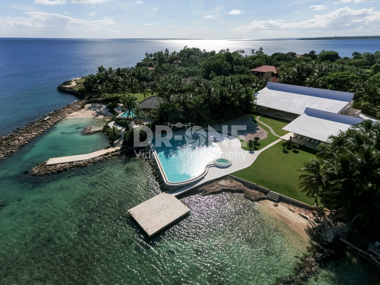 Celebrity Architect Beachfront Mansion – NEW PRICE