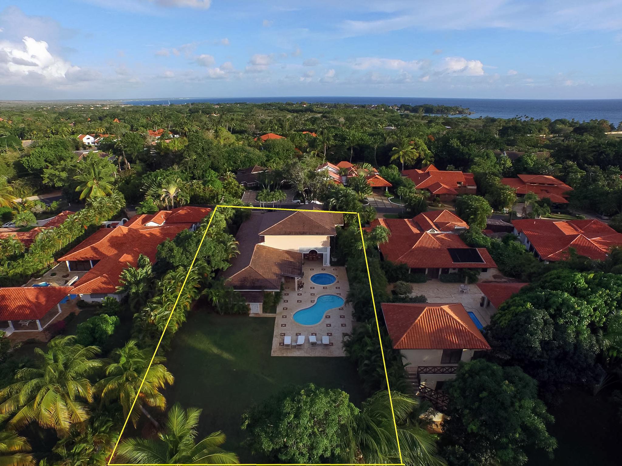 Just reduced los lagos casa de campo dominican - Casas de campo ...