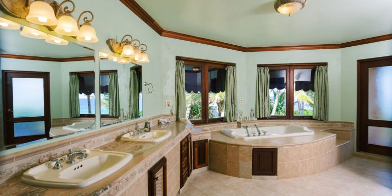 Villa Castellamonte - Auction - Orchid Bay- 00025