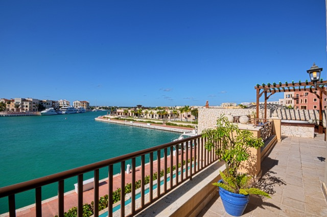alv_diamondthreebedroom_terrace_marinaview