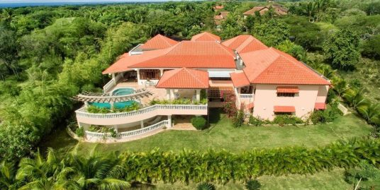 Splendid 6 Bedrooms Resort Villa at Barranca Este