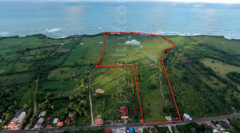 70 acres beach lot at Abreu