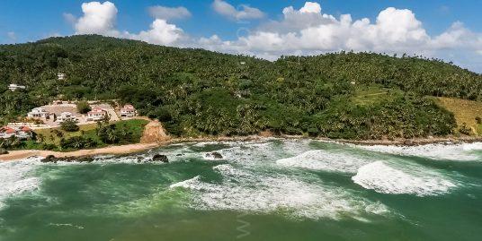 12,100 m2 Paradisiac Beachfront Site – Punta Balandra