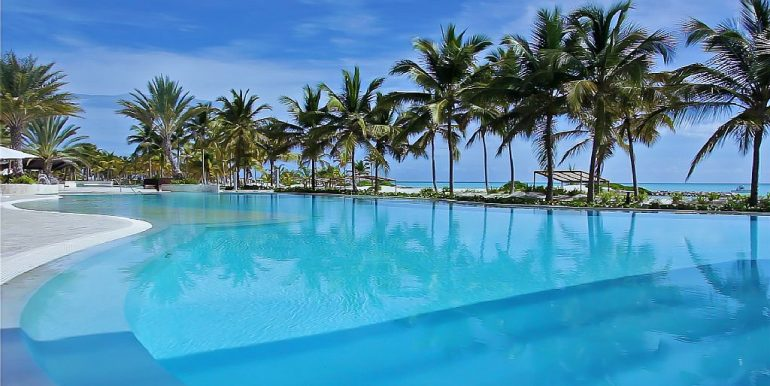 panoramic-beachfront-condo-cap-cana14