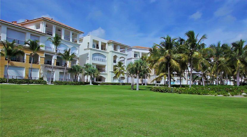 panoramic-beachfront-condo-cap-cana16