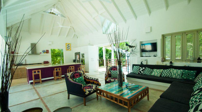 Beachfront Investor's Villa Tabiki11