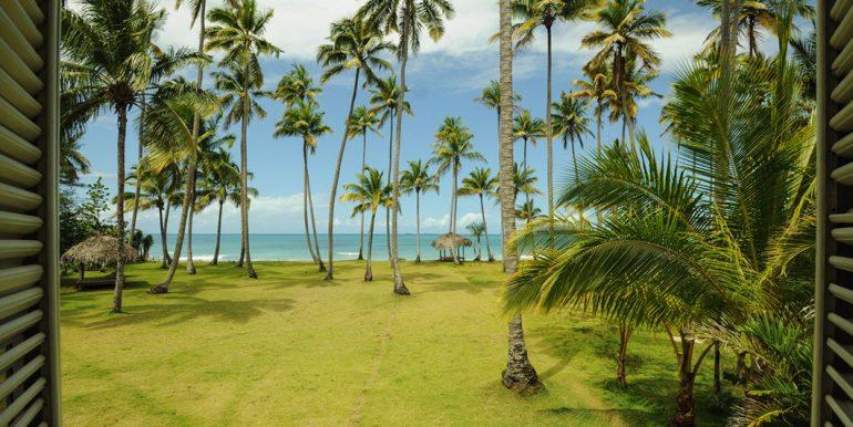 Beachfront Investor's Villa Tabiki2