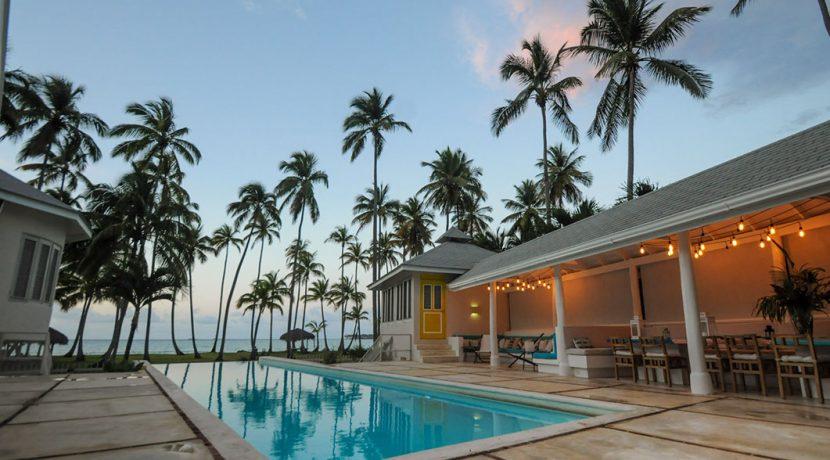 Beachfront Investor's Villa Tabiki4