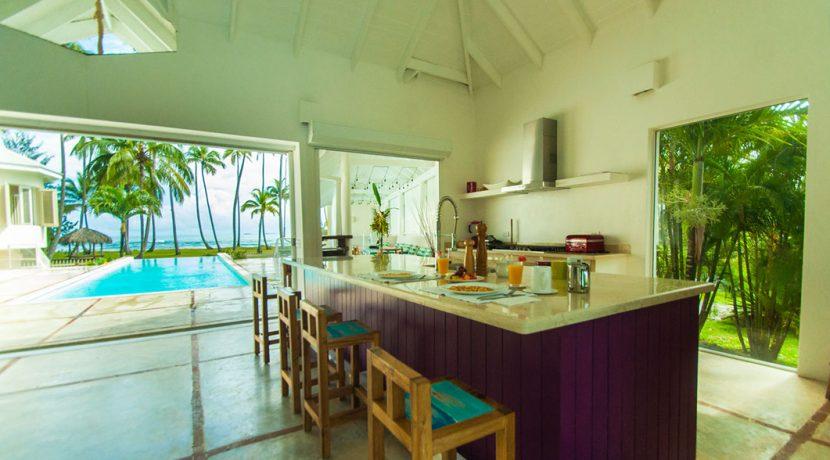 Beachfront Investor's Villa Tabiki5