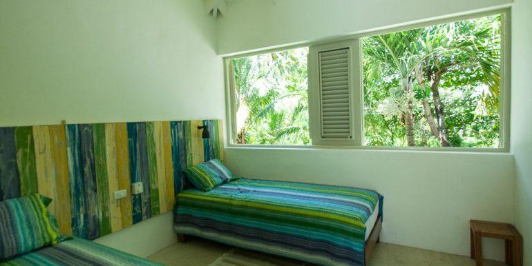 Beachfront Investor's Villa Tabiki6