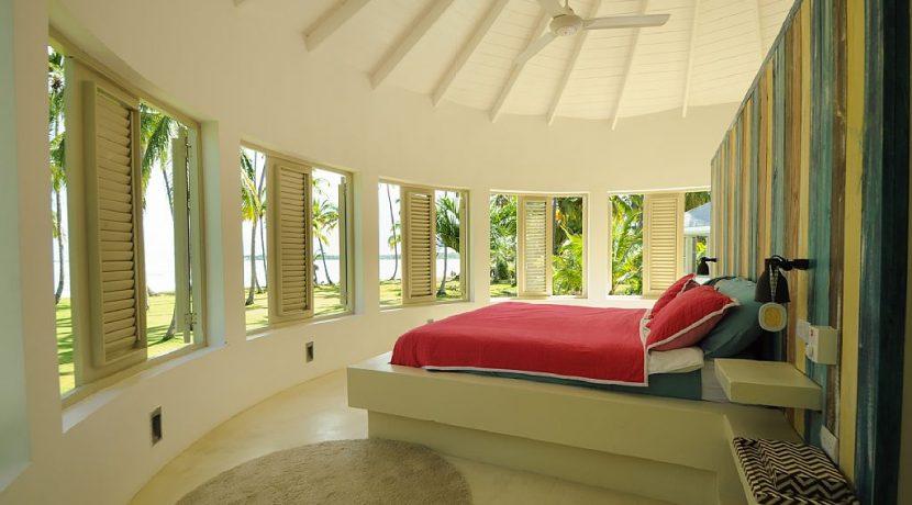 Beachfront Investor's Villa Tabiki