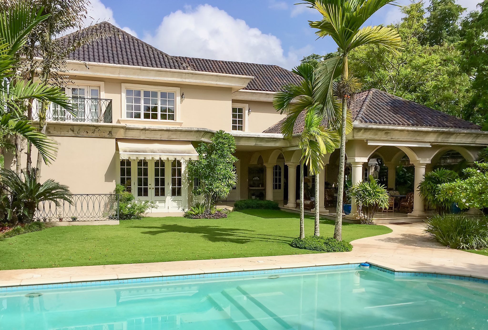 BACK to the MARKET! JUST REDUCED by USD 1MM at Santo Domingo, Cuesta Hermosa Luxury Family Home