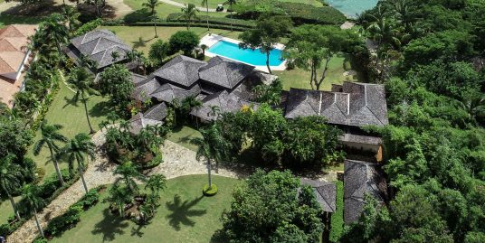 Classic Oceanfront Punta Aguila Villa surrounded by The Teeth of the Dog Golf Course