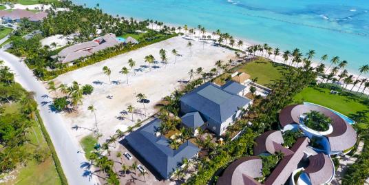 SOLD – Beachfront Mansion at Playa Serena