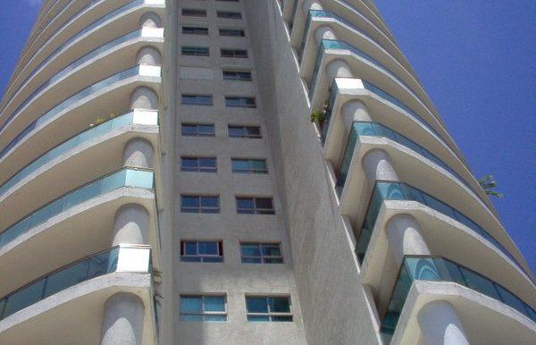 Torre Pedro Henriquez Ureña. Santo Domingo. RD