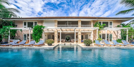 Modern Luxury Oceanfront Villa at Arrecife
