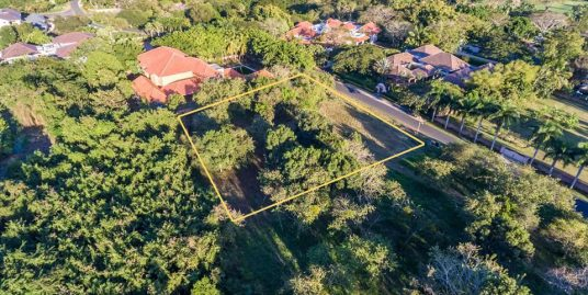 2,554m2 Lot  at Barranca Este 14