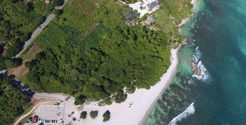 Beachfront 25,000m2 parcel for Sale at Playa El Quemaito, Barahona
