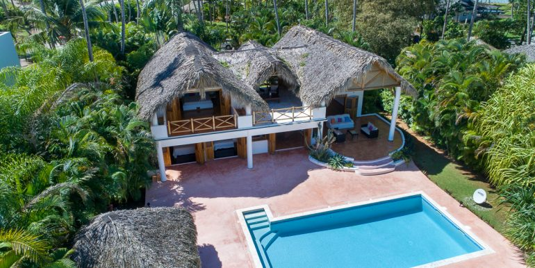 Beachfront villa Playa Bonita