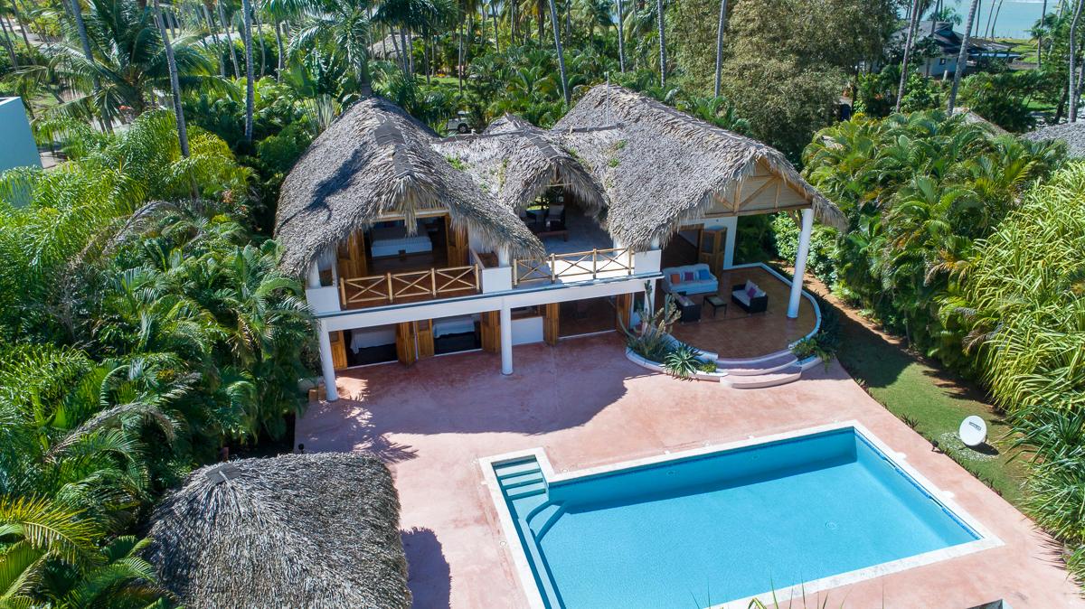 Beachfront Villa in Playa Bonita