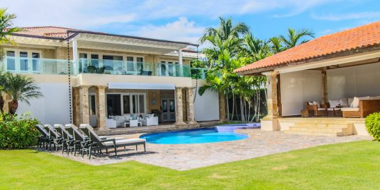 Impressive Views 4 Bedroom Villa at Tortuga