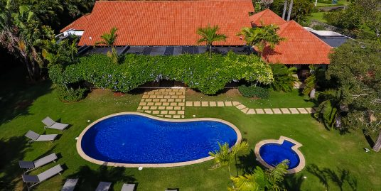 EASY CHIC – VILLA LOS MANGOS 18 -FULLY STAFFED- FACING GOLF – WALK TO THE BEACH