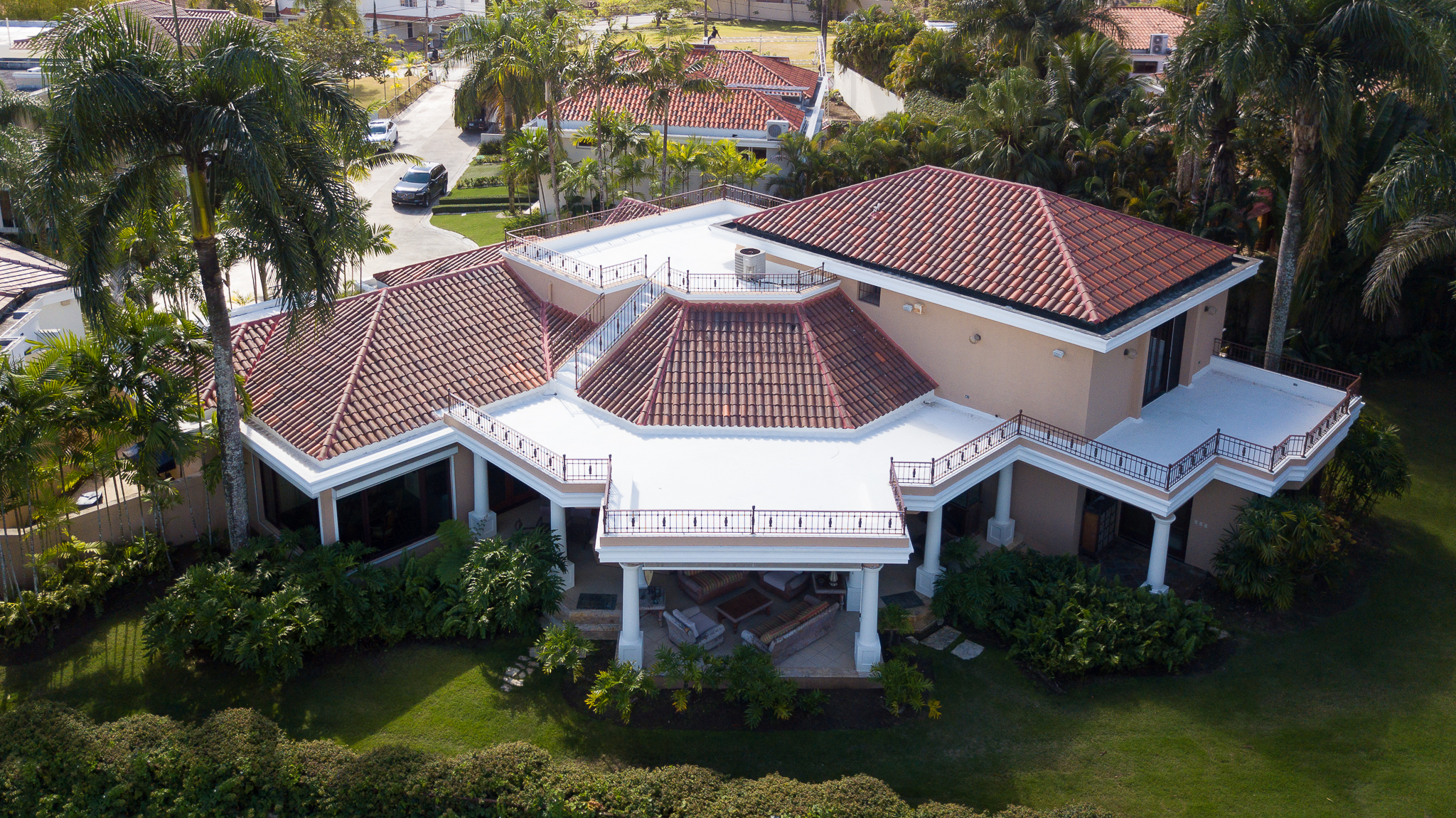 Majestic Isabel Villas Golf Residence