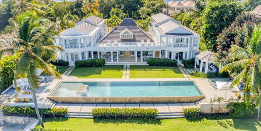 Villa Infinity, Spacious Tropical Seaside Mansion