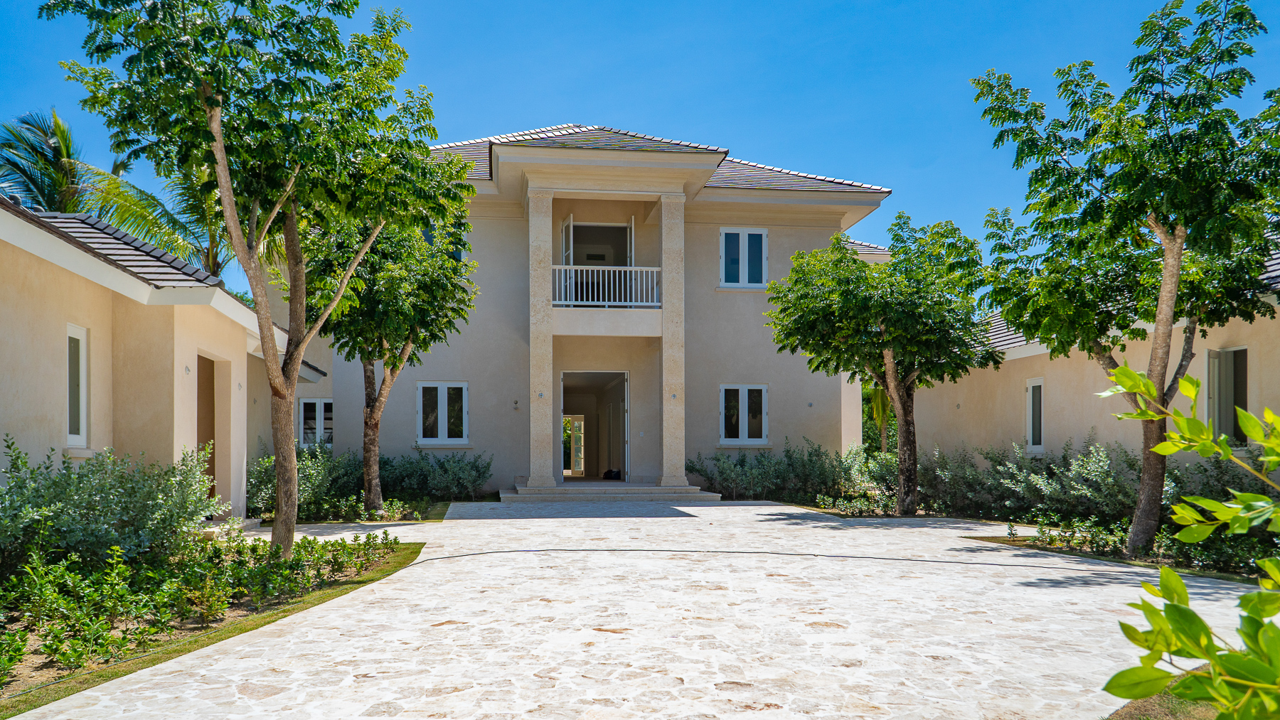New Arrecife Golf Front Luxury Villa