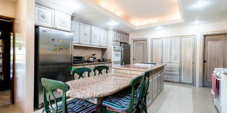 Casa sobre el Rio - Cuesta Hermosa - QA-11
