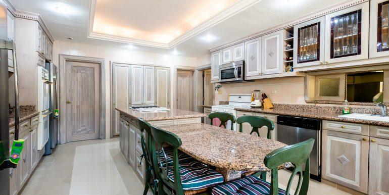 Casa sobre el Rio - Cuesta Hermosa - QA-12