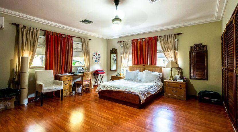 Casa sobre el Rio - Cuesta Hermosa - QA-17