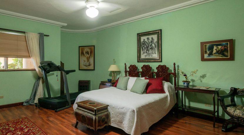 Casa sobre el Rio - Cuesta Hermosa - QA-20