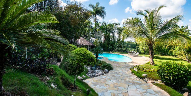 Casa sobre el Rio - Cuesta Hermosa - QA-23