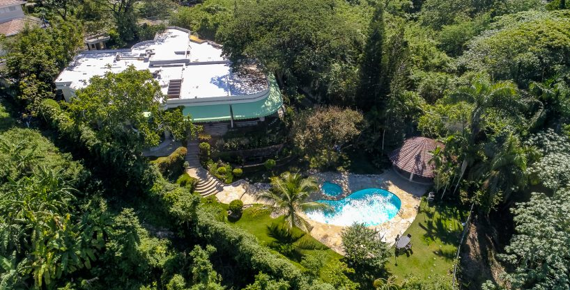Family mansion over the Isabela River – Cuesta Hermosa – Santo Domingo