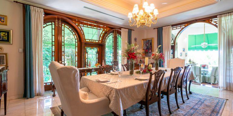 Casa sobre el Rio - Cuesta Hermosa - QA-7