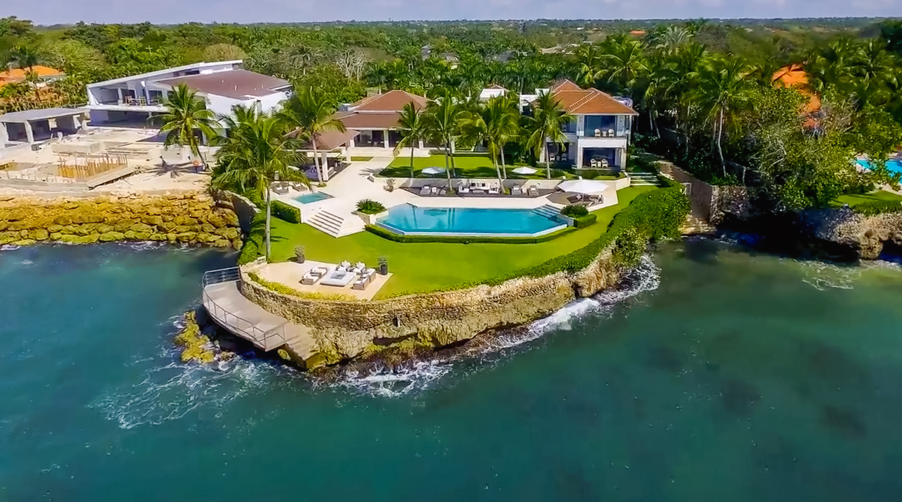 Oceanfront Luxurious Retreat Villa at Punta Minitas | 6beds | 4139m2 lot |1152m2 interiors