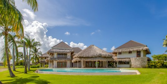 New Villa facing Golf Course with 7 Bedrooms