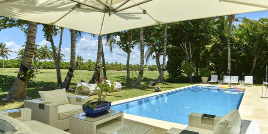 Modern Golf Villa at Puntacana Resort at walking distance to the beach
