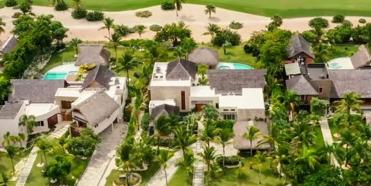 Exquisite Interiors and Expansive Gardens GolfFront Arena Cayuco