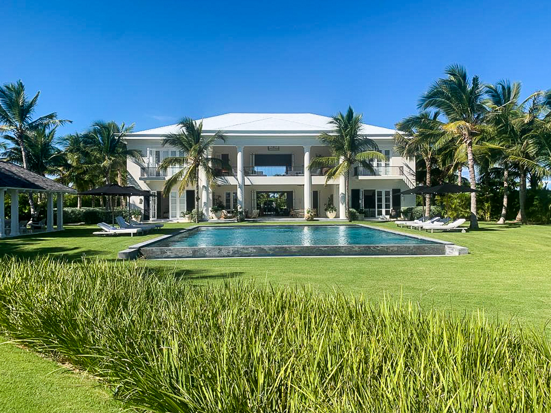 New Corales Exclusive Mansion with Spectacular Ocean views